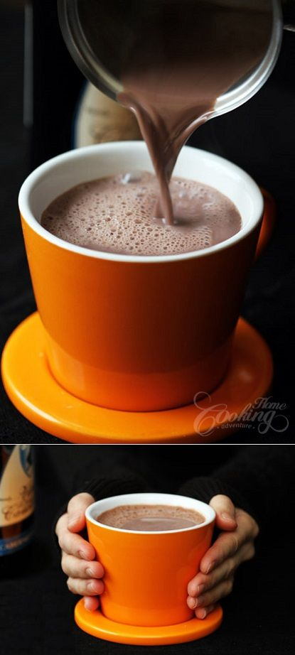 exPress-o: Hot Chocolate With Red Wine - To make two cups you will need 3 tsp. of unsweetened dark cocoa powder, 5 tsp. of brown sugar, 1/3 cup of your favourite red wine, 1 cup of milk and we also added a dash of cinnamon on top.