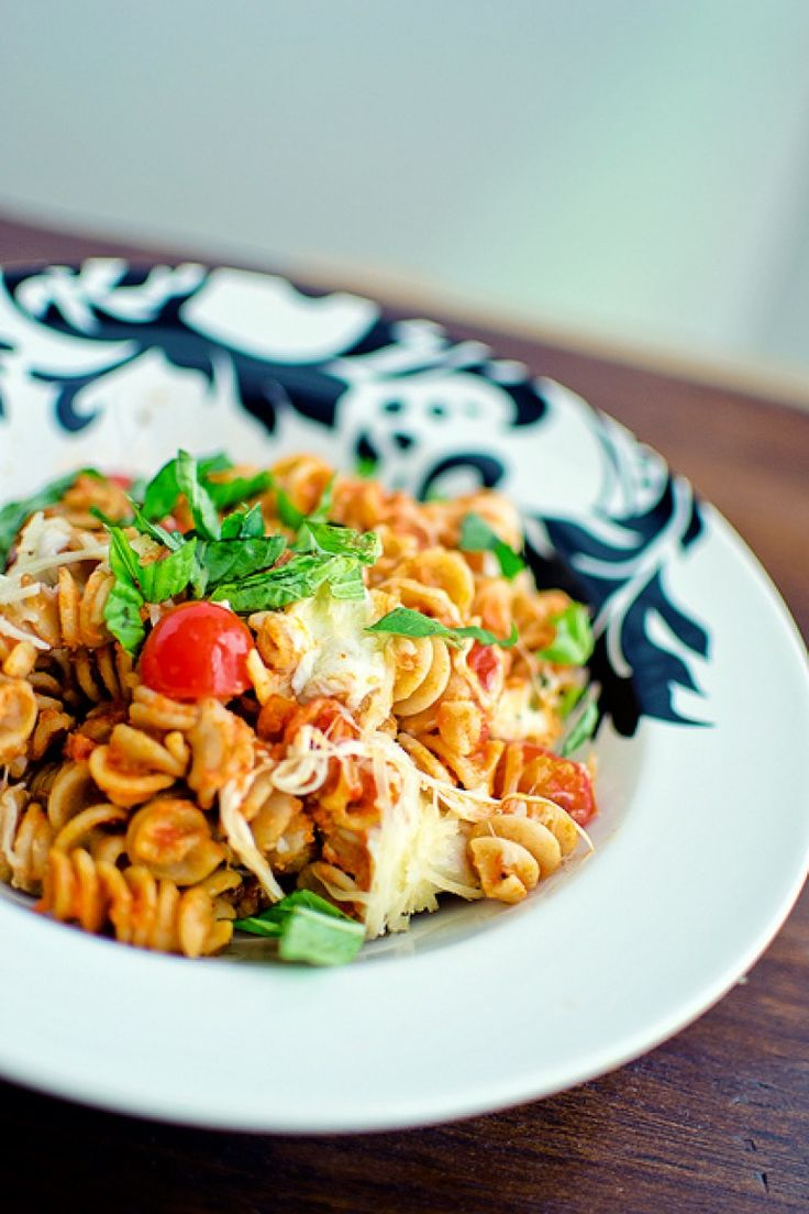 Meet the best #pasta dish: baked caprese. Follow the unicorn on the road to #foodporn http://winedharma.com/en/dharmag/may-2015/baked-pasta-tomatoes-and-mozzarella-its-caprese-time