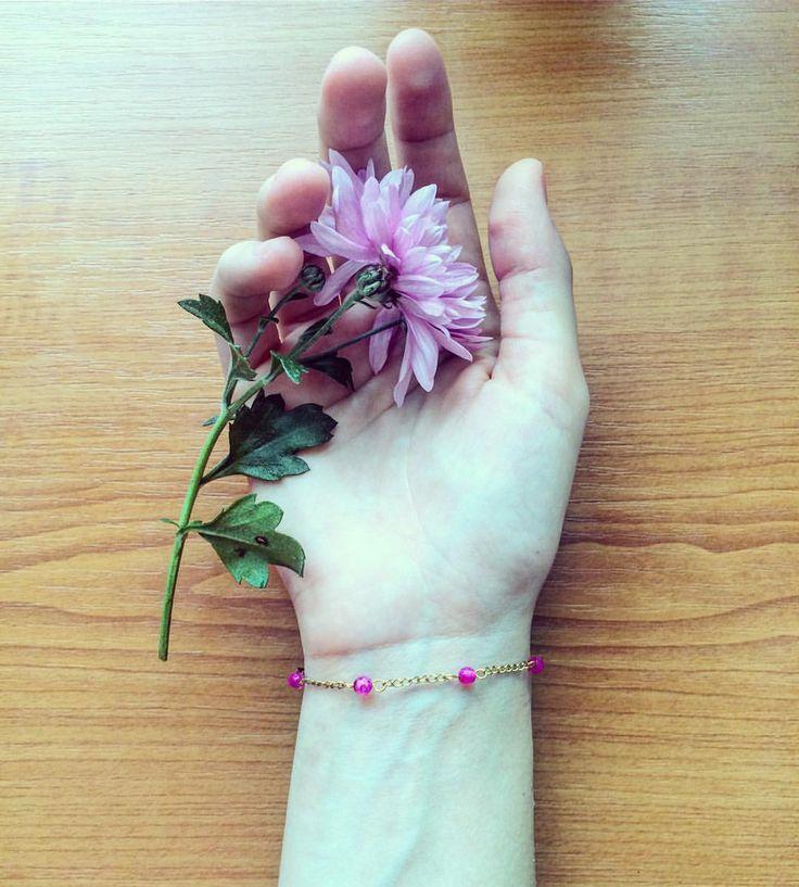"49 aprecieri, 3 comentarii - Ana •CREATIVE POSTS• (@solnitacuvise) pe Instagram: ""Iubire pentru a crea accesorii @solnitacuvise ❤️ #handmade #fashion #accessories #details #fallowme…"""