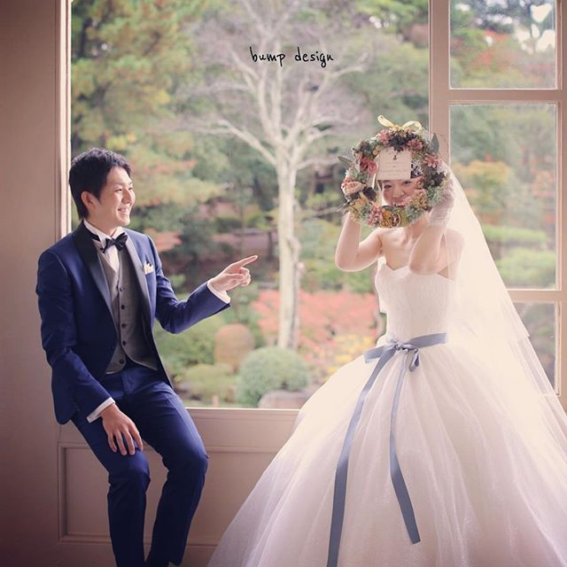 結婚式カメラマン! アサダ ユウスケ: #リース 手作りの可愛いリースを持って 六華苑さんのテラスに座ってみた。 それだけで素敵な写真になりました。 ちなみに新婦ちゃんは途中から#サッシュベルト ...