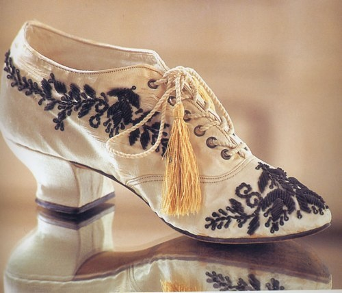 Belle époque, Embroidered Shoes