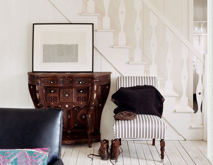 The versatility of an all-white space encourages creative freedom with design. Offset the bare with bold statement pieces and patterned upholstery.