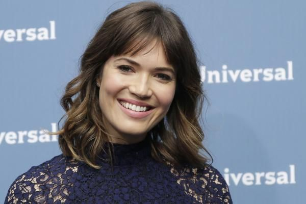 Annie Martin LOS ANGELES, Dec. 13 (UPI) -- Mandy Moore revealed she learned of her 2017 Golden Globe Awards nomination for Best Supporting…