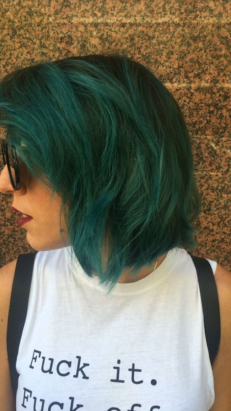 ・・・ Crazy Woman!!! New Color ... A\W 2016/17 #color #wella #crazy #amazing #greenhair #sunglasses #cute #blue #colorcouture #pastelcolor #acido #shadowhair #change #bob #cut #newstyle #newmood #lwl #woman #hairstylist