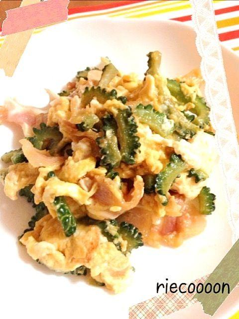 初めてミミガーを食べました。 コリコリ食感で美味しかったです - 61件のもぐもぐ - ゴーヤチャンプル by Rie