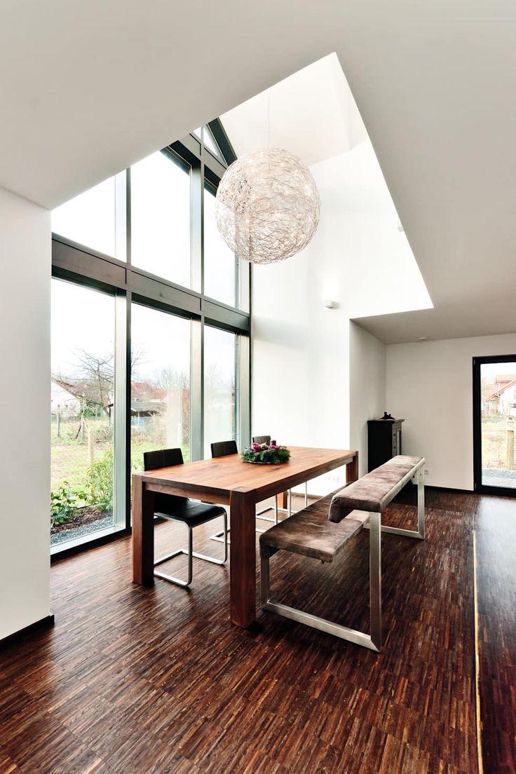 Einfamilienwohnhaus in heppenheim: esszimmer von helwig haus und raum planungs gmbh