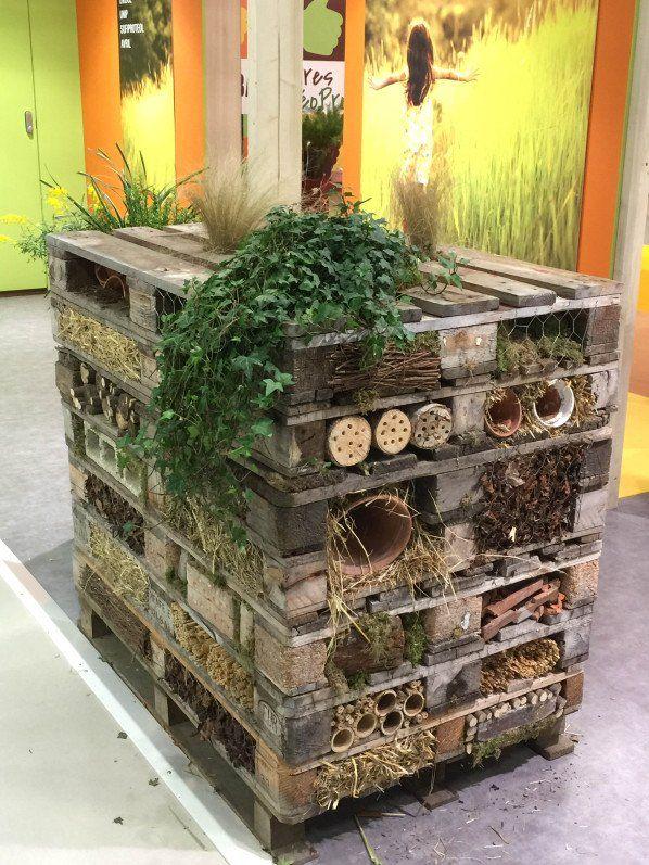 Tour abri à insectes en palettes, Salon International de l'Agriculture, Paris 15e (75)