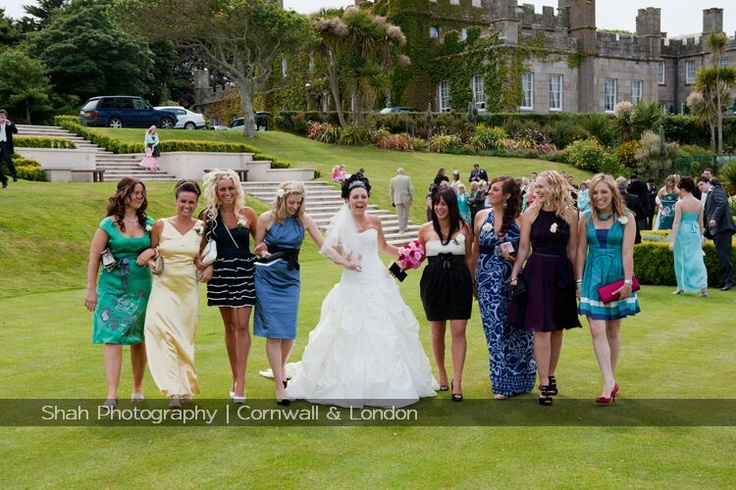 An informal group wedding photograph captures the spirit of this Tregenna wedding. The space at Tregenna Castle provides a great work place for me and makes each wedding so laid back and relaxed