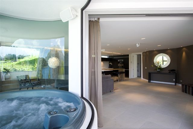 glass enclosed hot tub