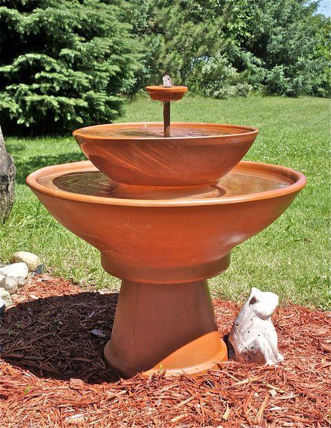 DIY fountain from terra cotta pots