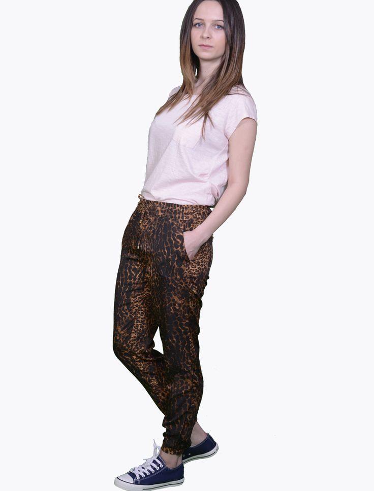 Pantaloni de vara Stradivarius Animal Print Pantaloni Pantaloni Stradivarius, marime S, material poliester 100%