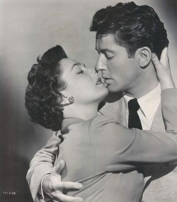 "Ruth Roman and Farley Granger in ""STRANGERS ON A TRAIN"" (1951)."
