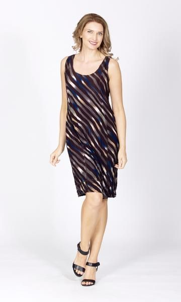 The Susie PanelDressby Tres Bellein chocolate and blue stripesfeatures a neat neckline and sits right on the knee. Wear itover black leggings for a casual,