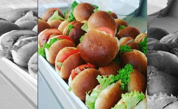 Μίνι burgers με σπιτικά ψωμάκια