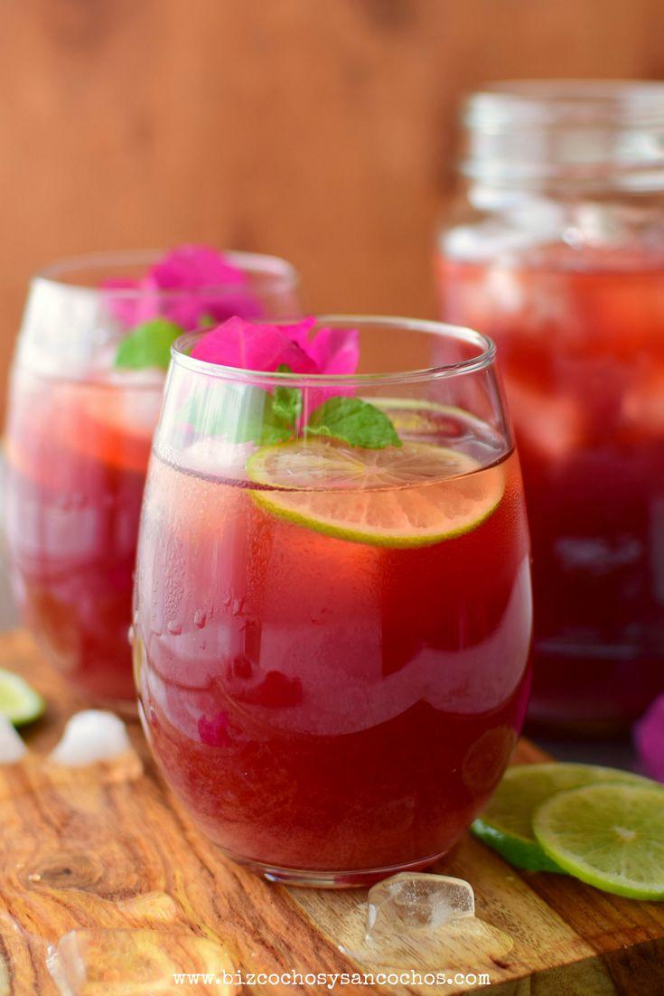 Papelón con limón, bebida venezolana de mucho consumo, esta receta tiene la adición de té de flor de jamaica y jengibre fresco