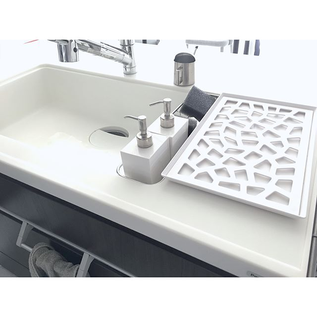 プチミニマリスト生活を始めよう キッチンに水切りかごを置かない方法をご紹介します Folk シンク シンク 水切り キッチン 水切り
