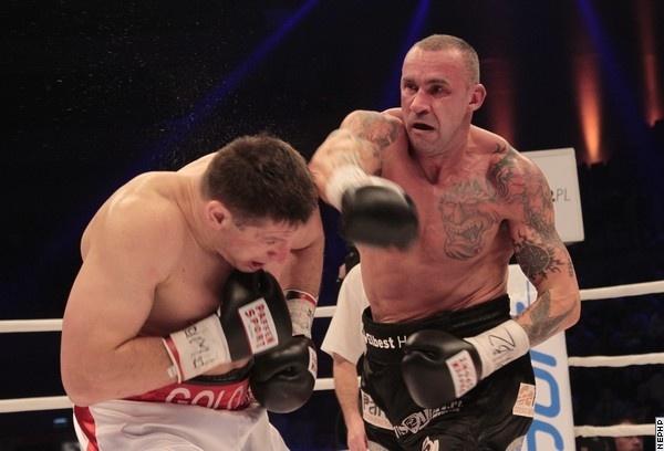 Photos: Saleta Knocks Out Andrew Golota in Polish War - Boxing News
