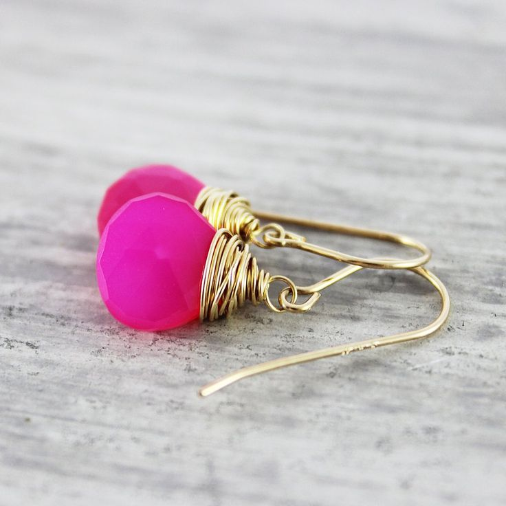 HOT PINK GOLD CHALCEDONY STONE EARRINGS | Earrings | Necklace | Jewelry | Gemstone Jewelry | #gemstone #druzy #gemstonejewelry #jewelry #handmadejewelry | www.starlettadesigns.com