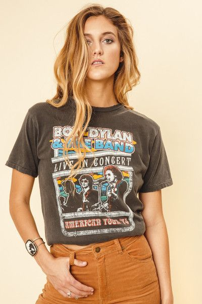 Lay, lady, lay, in this vintage inspired Bob Dylan graphic tee. Features a vintage wash to give it that old band tee look. Runs Oversized. Materials: 100% Cotto