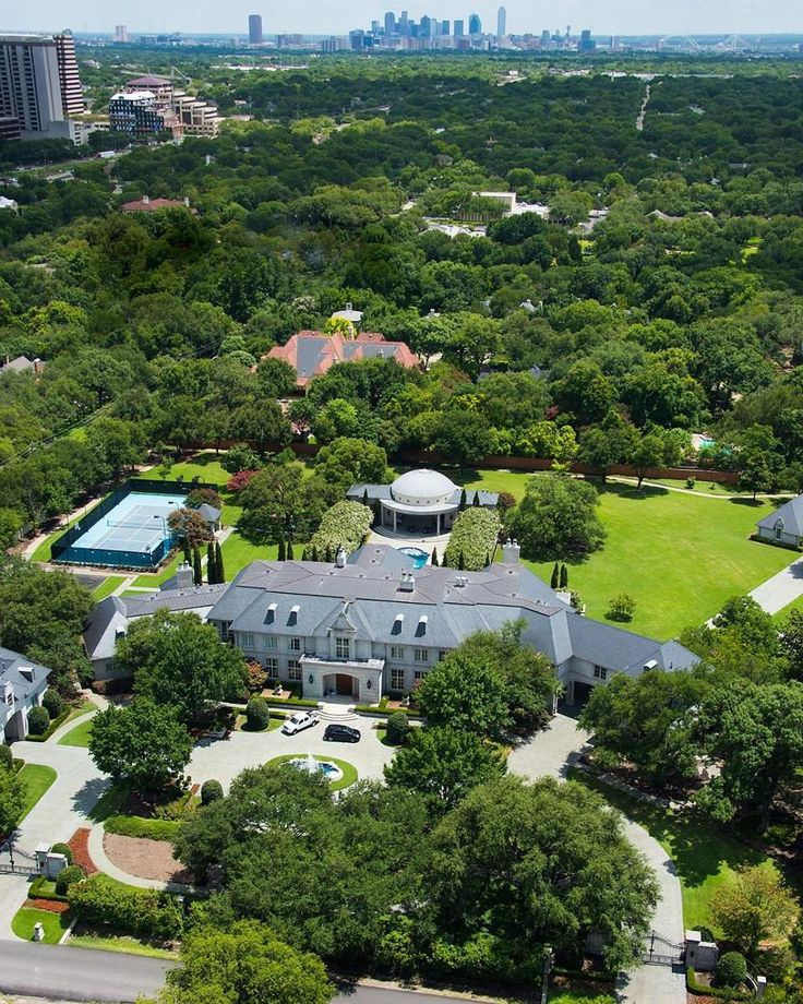 Meet the wealthy and famous neighbors of Preston Hollow, a roughly 6-square-mile neighborhood, which lies about 10 miles north of downtown Dallas. Click the link in our bio to explore the neighborhood that's home to the likes of Mark Cuban, Jordan Spieth and more.