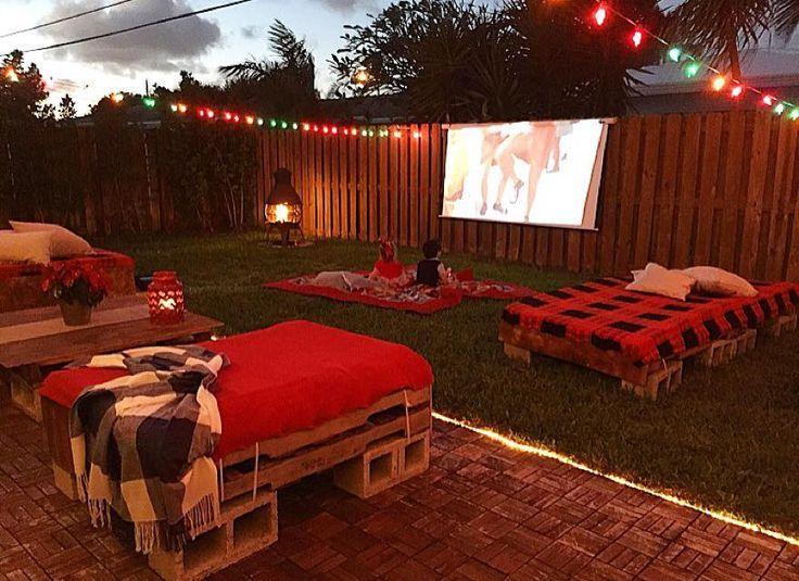 Superieur Fall Backyard Outdoor Movie   Backyard Projector And Screen