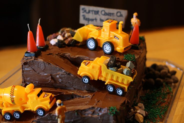 I LOVE THIS CAKE!!  Just maybe for a birthday cake......maybe 1st or another.  LOVE MY BOY!!