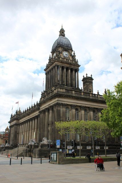 Leeds Town Hall (C) Chris Heaton :: Geograph Britain and Ireland Check out this image guys, its the best!