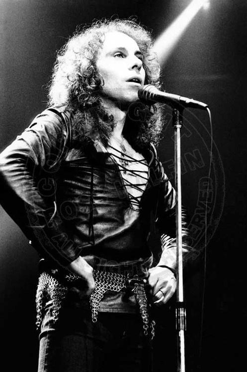 black singles in rainbow Singles 1975 – man blackmore in black stockings shocker rainbow finyl vinyl page updated.