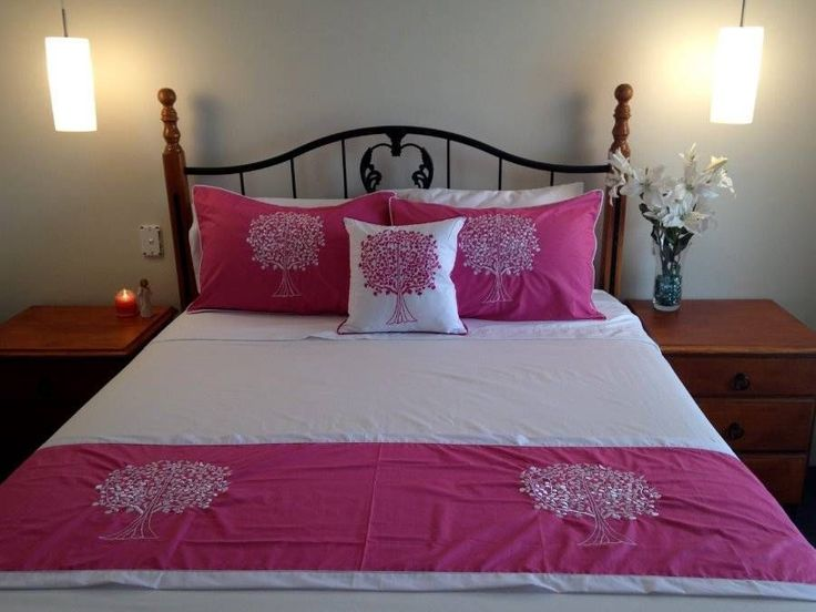 Tree of Life Bed Set  2 Pillow Cases, Cushion Cover & Bed Runner Pink $98.90