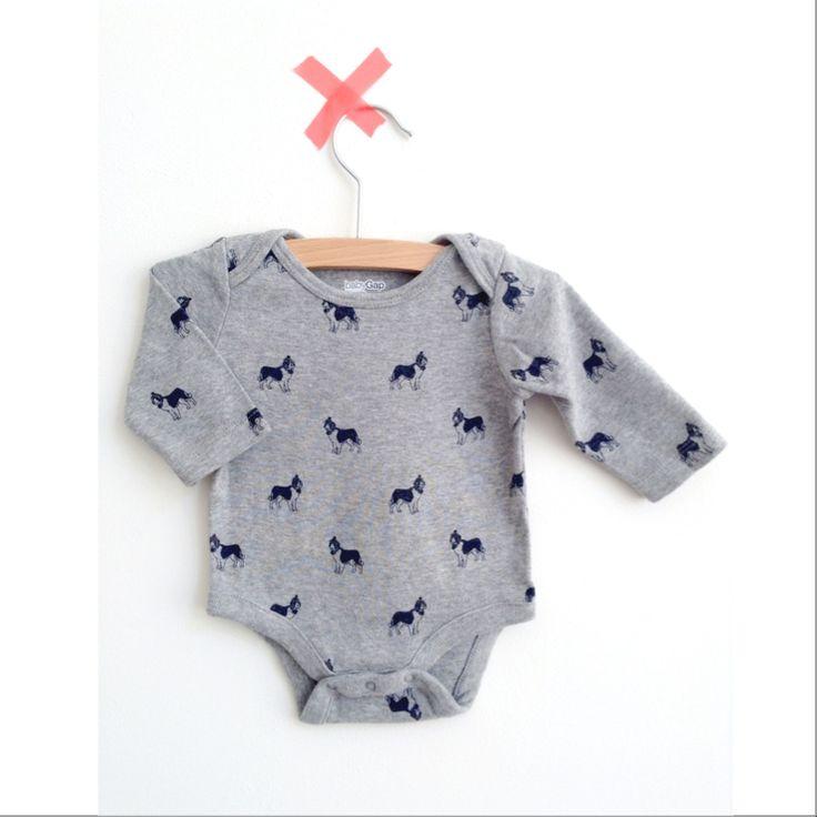 Tweedehands kleding voor hippe babies: www.lookingforcharlie.nl #lookingforcharlie #looking4charlie #webshop #baby #babyGap #tweedehands