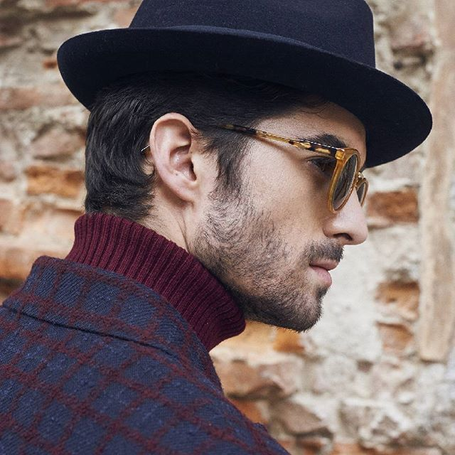 Blue and bordeaux are the autumn/winter elective colors..Find yours at http://finaest.com/men #finaest #worldwide #worldwideshipping #shoppingonline #onlineshop #finaesteditorialfw16 #madeinitaly #crafts #handmade #mensoutfit #menswear #mensaccesories #mensfashion #menstyle #elegance #uniqueness #gent #getlemenstyle #newgentlemenstyle #kyme #sunglasses #ballantyne #blazers #dellaciana #pullovers