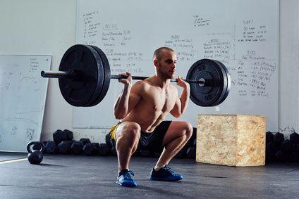 7 Best Squats To Build Strong Legs & Bulletproof Knees