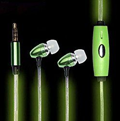 (亜美)Yamay 暗い 目に見えるインイヤ型の イヤホン 光るイヤホン 防汗 高音質 マイク付き 光る スポーツイヤホン (Type B金属, EL緑) おすすめ度*1 ASIN B01BY1AQY8 この機種にはいくつかのバリエーションがあり、ハウジングの形状が選べるようになっているようだ。テストしたモデルは一般的なカナル型のドラムに近いハウジングのモデル。ケーブルはLEDで光るためかやや太めで、ケーブル中途にある専用スイッチを押すとケーブルが明滅する。 耳にしっかり嵌まるのと音質がブーミーで大きめなせいか遮音性は高い。音漏れはそこそこ目立つが、ブーミーな味付けの割に漏れは少ない印象。 【…