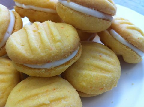 "Melting Moments (aka ""Yoyo"" Biscuits)"