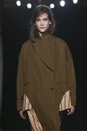 Uma Wang Ready To Wear Fall Winter 2016 Milan - NOWFASHION