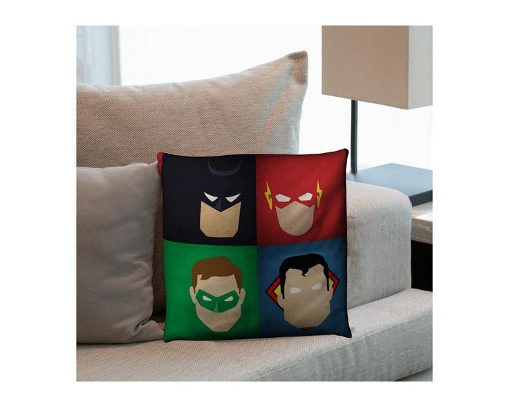 Justice League ,βαμβακερό διακοσμητικό μαξιλάρι, με το όνομα που θέλετε!,9,90 €,https://www.stickit.gr/index.php?id_product=17624&controller=product