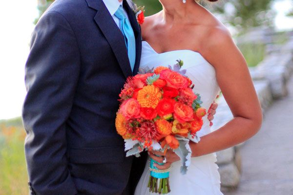 portrait-bride-groom-coral-bouquet I love the aqua and the orange - particularly beautiful idea