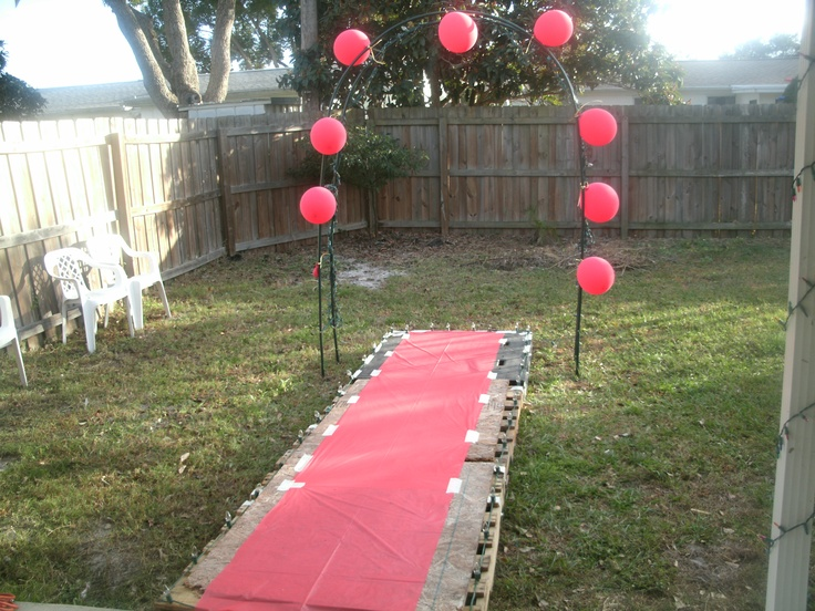 Hollywood Craft Ideas For Kids Part - 22: Make Your Own Runway! We Used Old Wooden Pallets And Plywood!