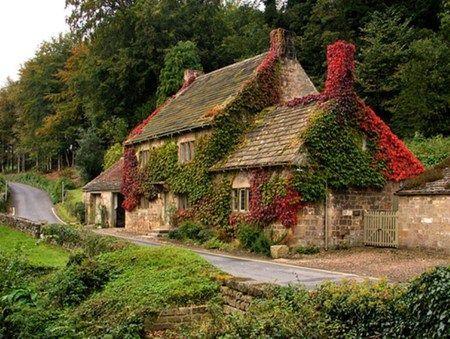 Ein altes Landhaus in Yorkshire, England. bitte bi…