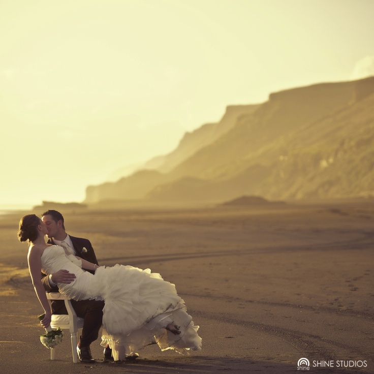 Castaways, Karioitahi Beach, New Zealand Wedding, Shine Studios