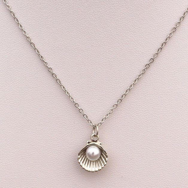 Ketten mittellang - Kette silber Muschel Perle - ein Designerstück von marymoon_bijou bei DaWanda