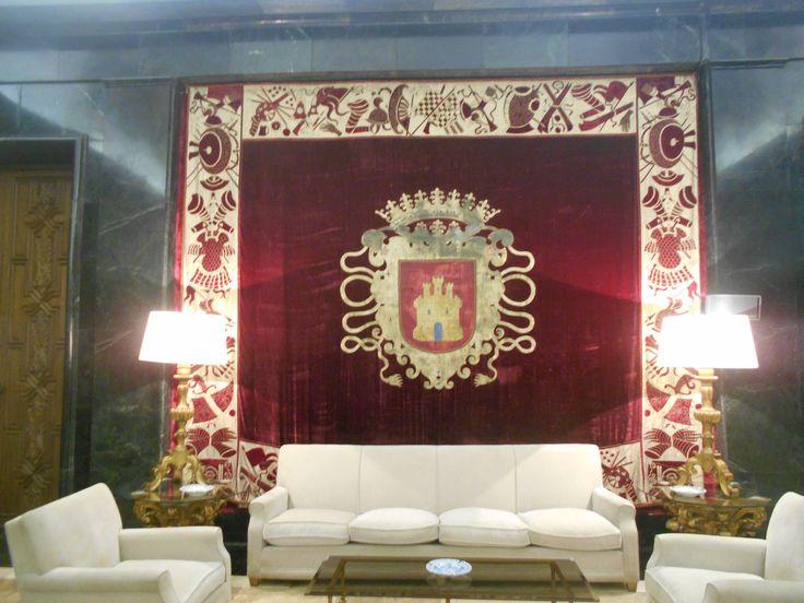 Repostero con el escudo de Castilla. Salon de Honor. Cuartel General del Ejército del Aire.