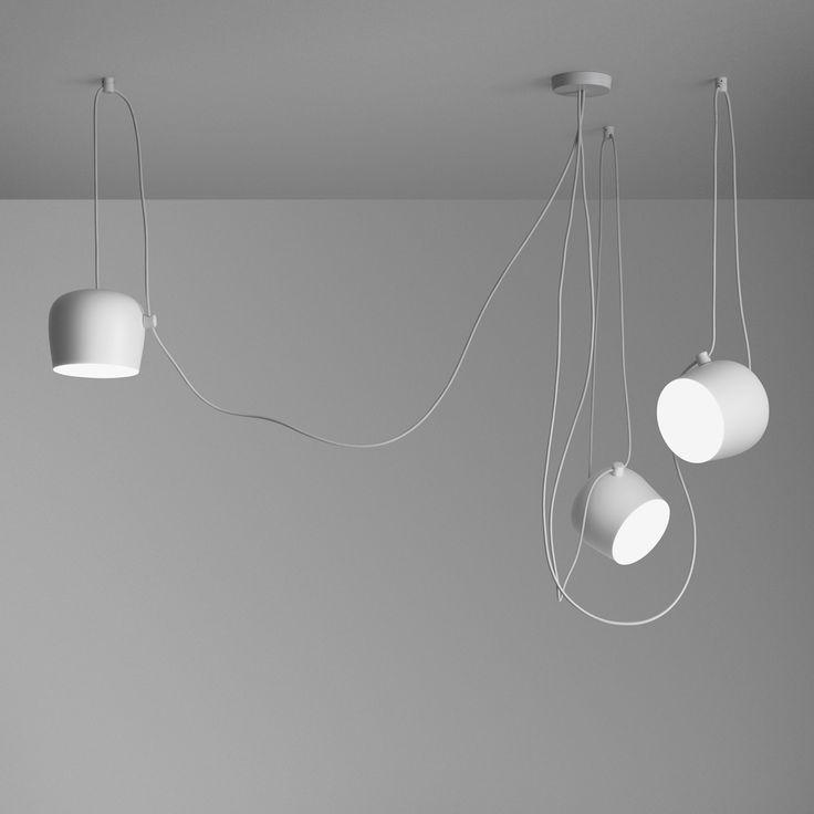 Inkl. LED Qualität made in Italy Dreiflammige Pendelleuchte mit Vielfachrosette Dezentrale Installation der Leuchtenschirme möglich Schwenkbare Leuchtenköpfe für eine flexible Ausrichtung der Lichtquellen Dimmbar nur via...