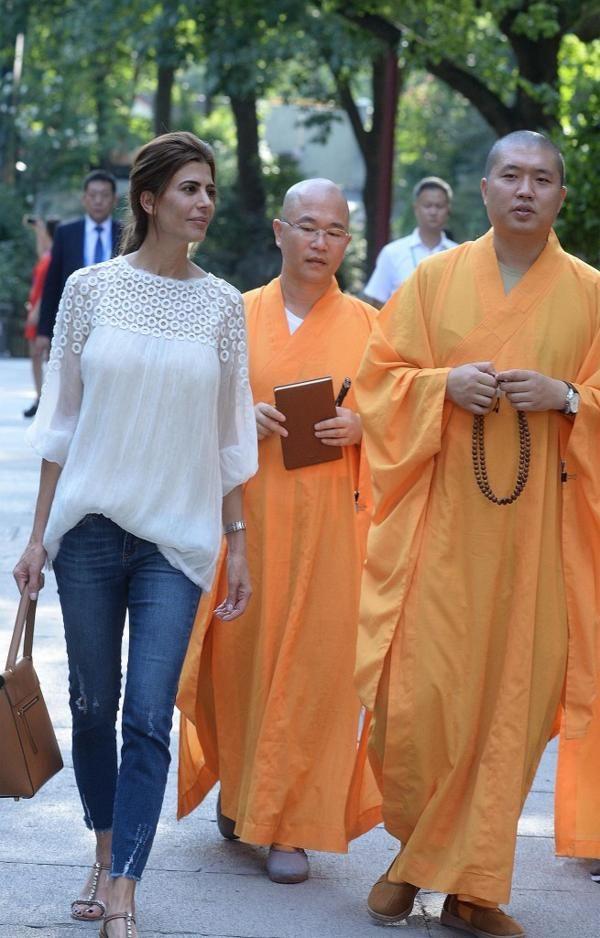 Juliana quedó impactada por la paz y la espiritualidad del templo budista (Maria…