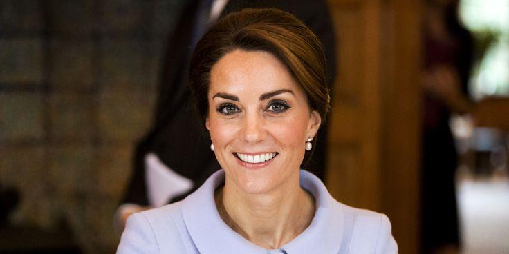 HertoginKate Middleton is vandaag jarig, ze blaast 35 kaarsjes uit. Catherine Elizabeth Middleton, zoals haar volledige naam luidt, werd op 9 januari 1982 geboren in een ziekenhuis in Reading. Hoe ze haar verjaardag viert, is alleen officieus bekend. Kensington Palace doet geen officiële mededelingen over privé-aangelegenheden. Het is aannemelijk dat de hertog en hertogin van…