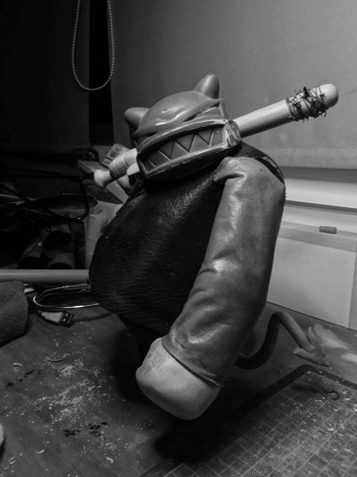 """WIP #ArtToy Exhibition """"El Arte del Jugute"""" """"The Art of Toy"""" October 2017 organized by Art Toy Gama Collective #ArtToyGama in Corporación Cultural San Miguel de Santiago de Chile #arttoys #designertoys in  Organized and Curated by #AntuBoccaValenzuela  #contemporaryArt #customtoys #artgallery #galleryart #toyshow #CONTEMPORARYart #vinyltoys #museums #artexhibition #vinylfigures"""