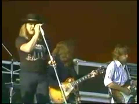 """The beginning of Lynyrd Skynyrd R.I.P. Ronnie Van Zant (lead vocals), Steve Gaines (lead guitar), Cassie Gaines (Backup vocals), and Billy Powell (piano)...""""Sweet Home Alabama"""""""