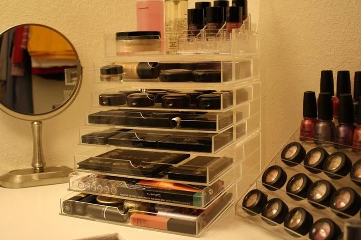 muji - two 3-drawers + one 2-drawer-with-lid stacked: beautiful makeup storage!