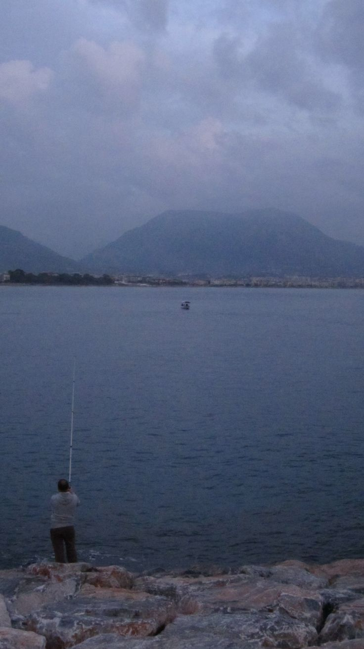 Cebel-res Mountain and the fisherman