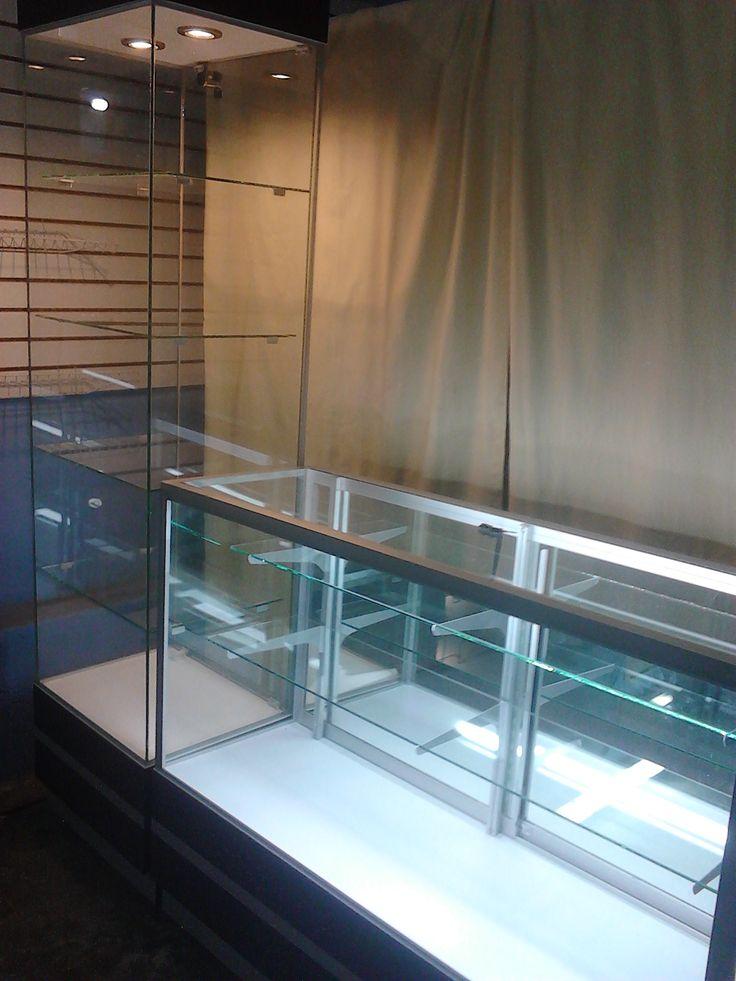 M s de 25 ideas incre bles sobre vitrinas exhibidoras en for Idea muebles puebla